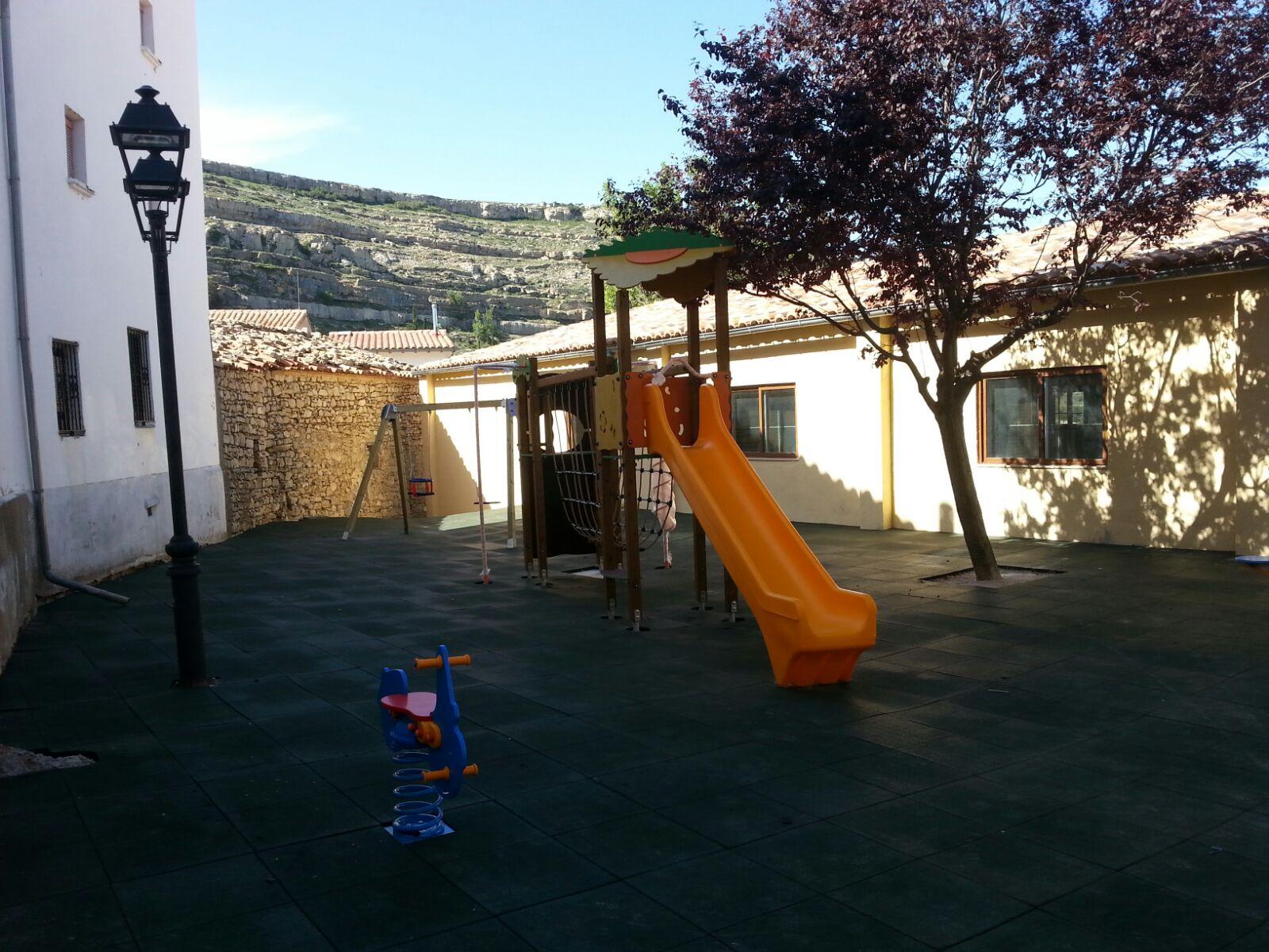 Juegos Infantiles y Suelo de Caucho en Ares del Maestrat