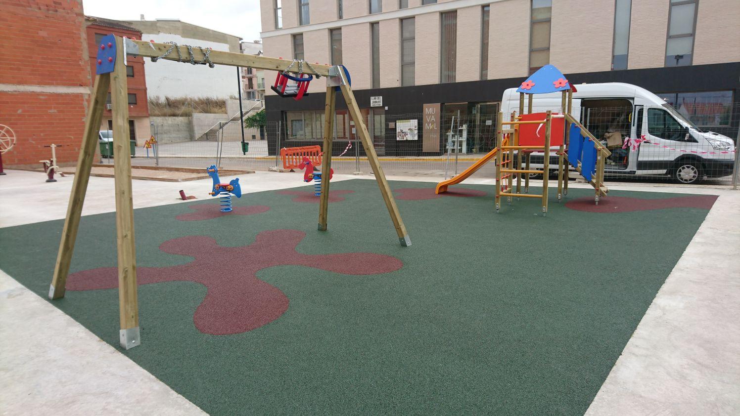Juegos, suelo y biosaludables en Montroy