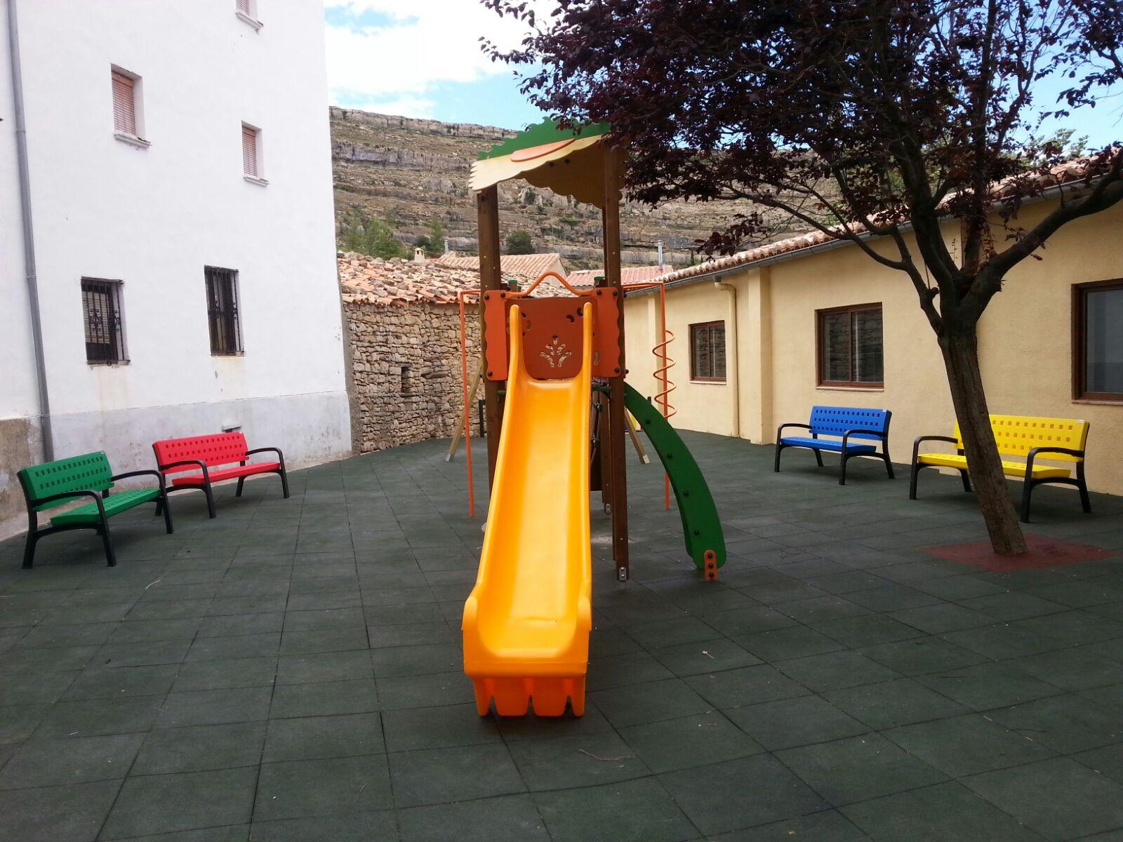 Mobiliario Urbano para Parque Infantil