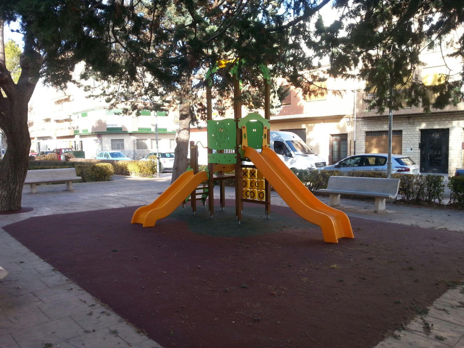 Juegos Infantiles y Suelo de Seguridad en Castalla