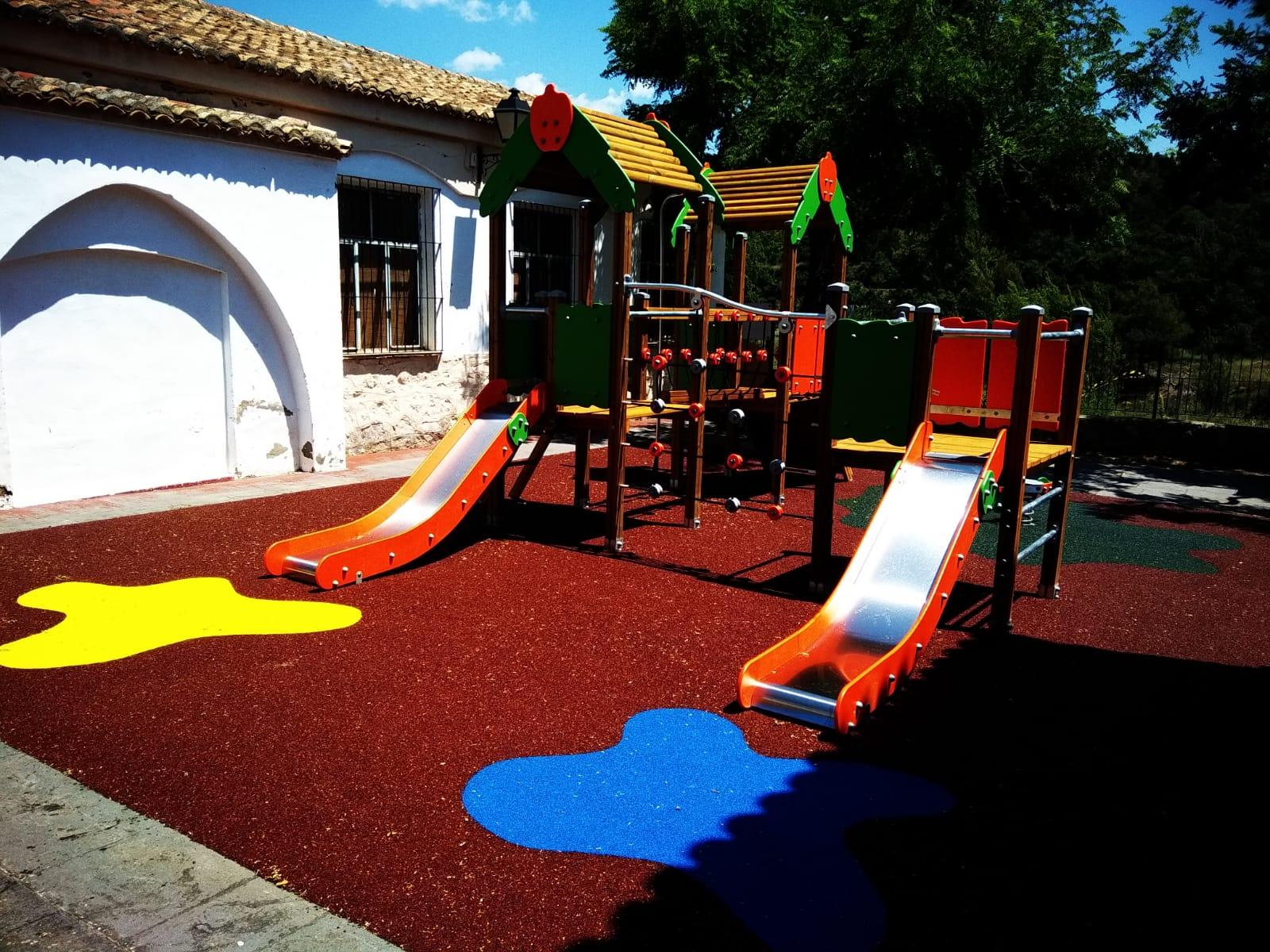Suelo de Caucho y Juegos Infantiles en Andilla