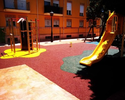 Suelo de Caucho y Juegos Infantiles en Rafelbuñol