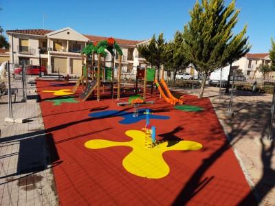 Juegos Infantiles y Suelo en Utiel