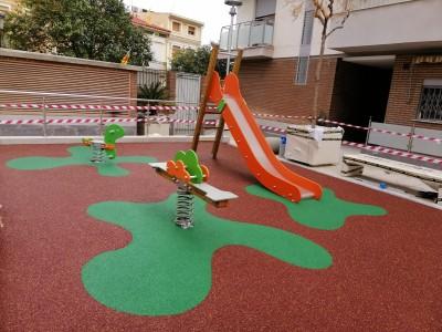Zona Infantil con Suelo de Caucho en Valencia