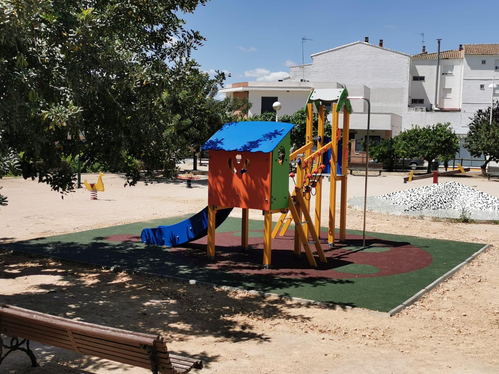 Juego Infantil y Suelo de Caucho en Montserrat