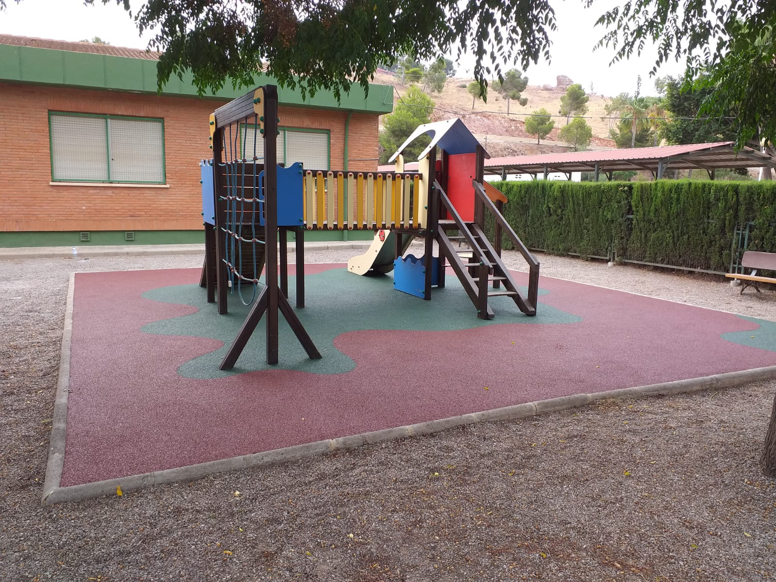 Suelo de Caucho en colegio de El Puig