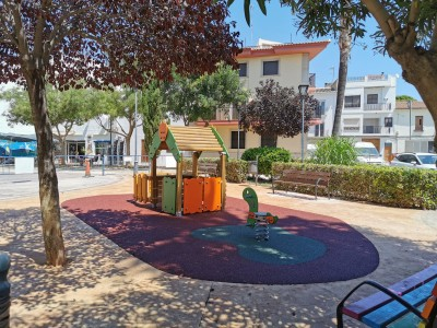 Juegos Infantiles y Suelo de Caucho en El Puig