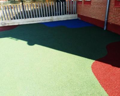 Suelo de Caucho en colegio de Rafelguaraf