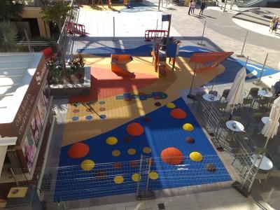 Juegos Infantiles y Suelo de Caucho en Centro Comercial