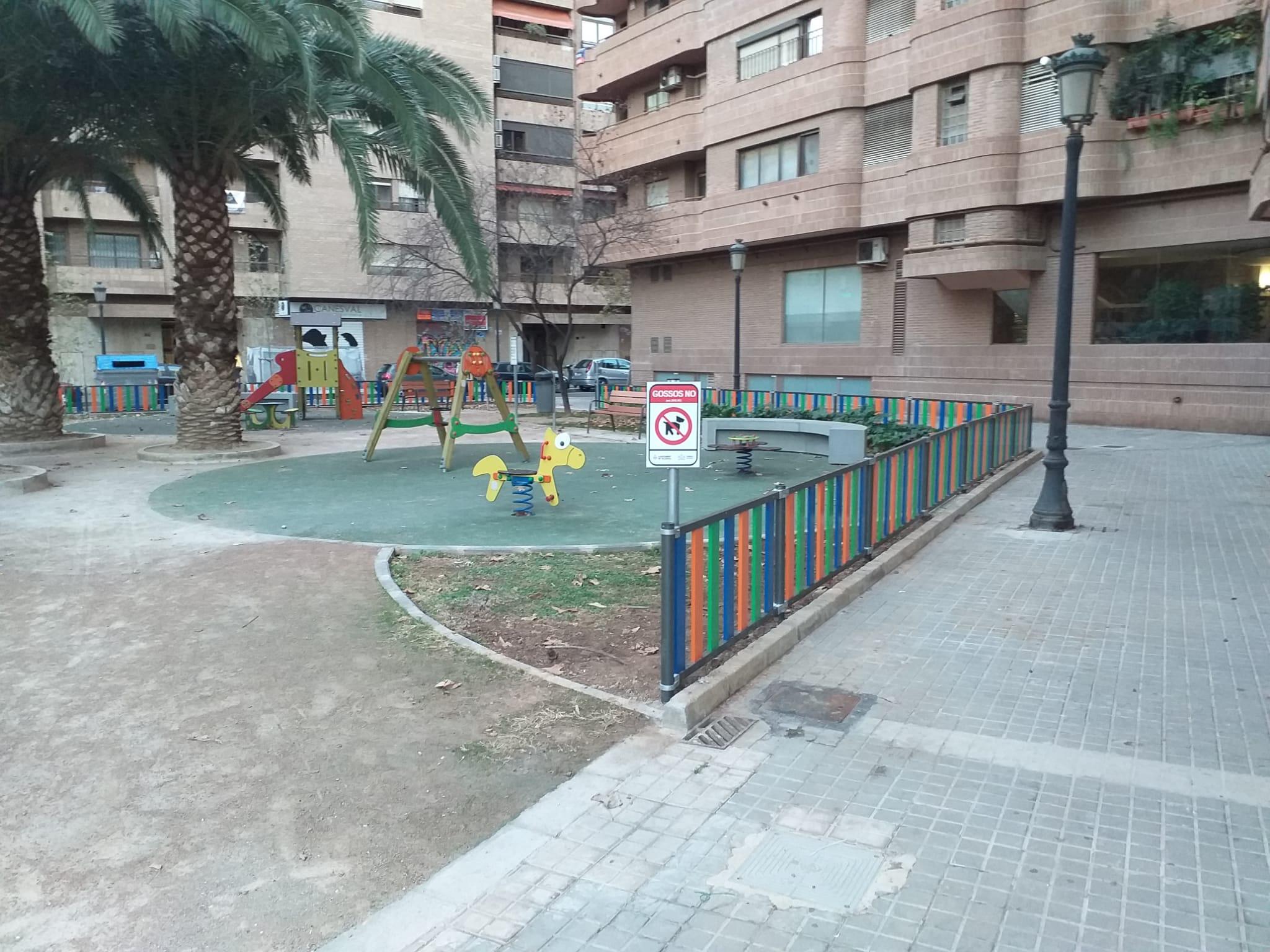 Vallado Metálico Multicolor para Parque Infantil