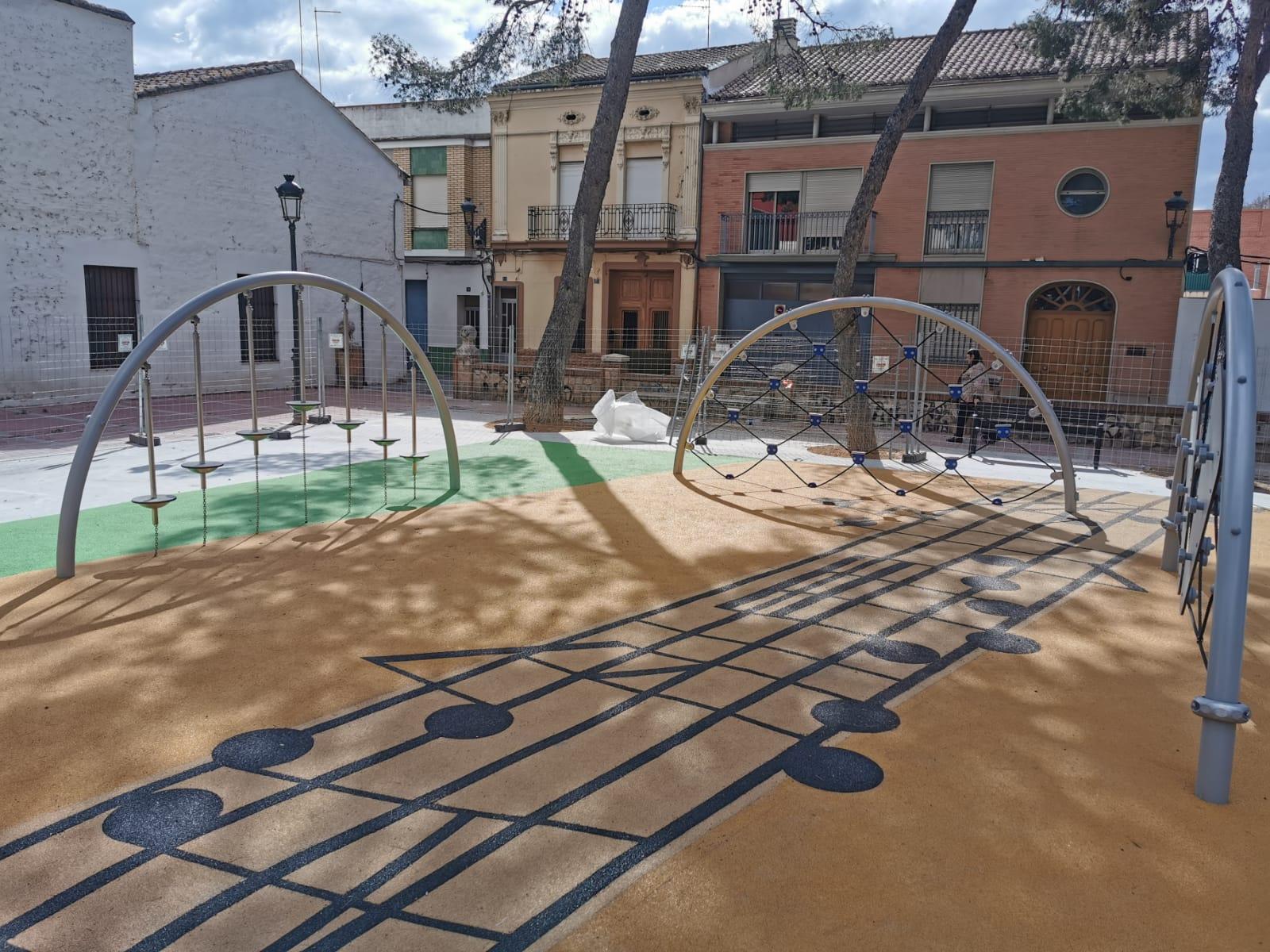 Juegos Infantiles y suelo de caucho en Moncada