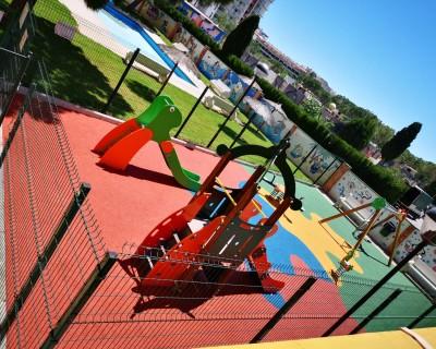 Juegos Infantiles y suelo de caucho en Canet