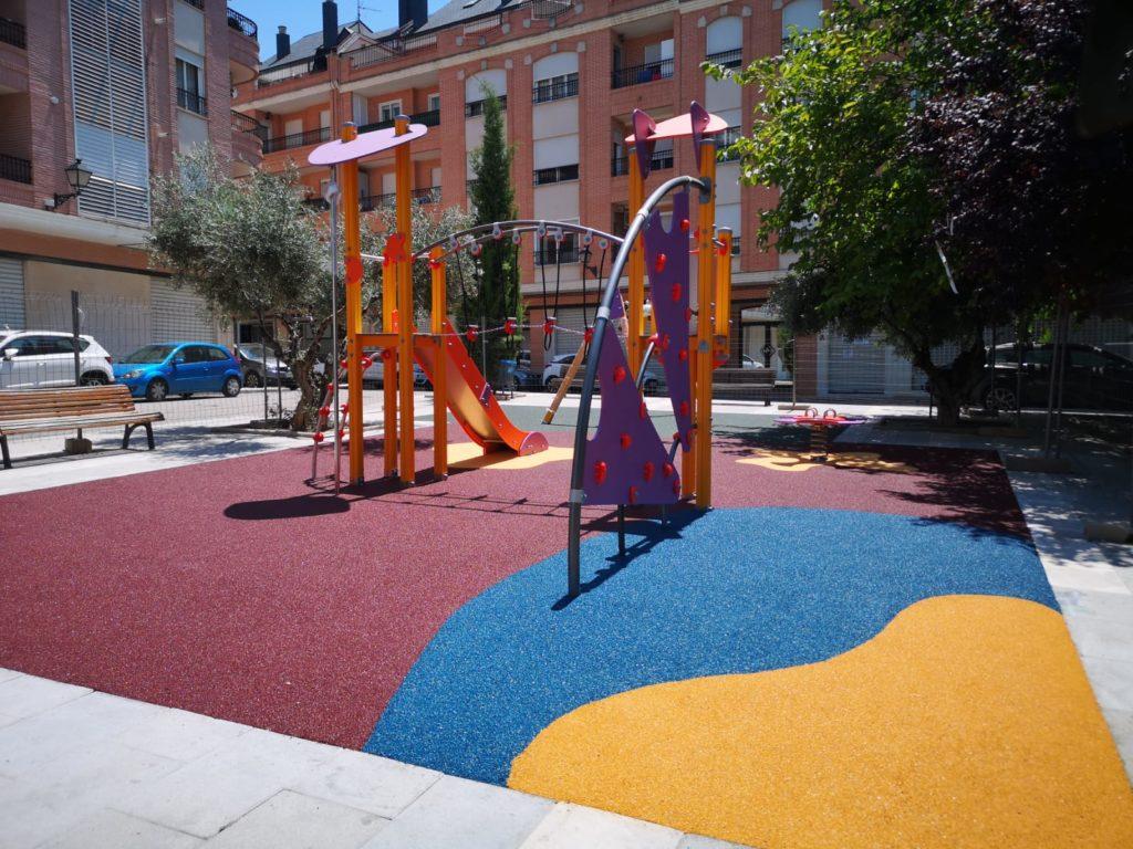 Juegos Infantiles y suelo de caucho en Requena