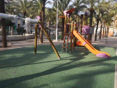 Juegos infantiles y suelo Nike Grind de Playtop
